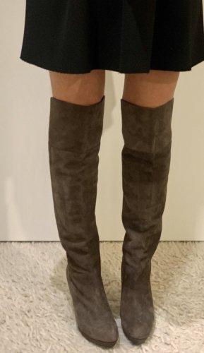 Botas sobre la rodilla taupe