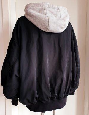 Oversize Jacke mit Kapuze 38-40