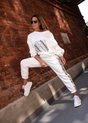 Spodnie sportowe w kolorze białej wełny-kremowy