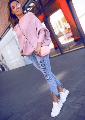 Sweter oversize różowy