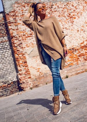 Bastet Sweter oversize beżowy