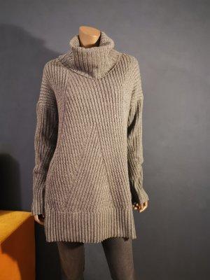 Oversize Pullover mit Rollkragen