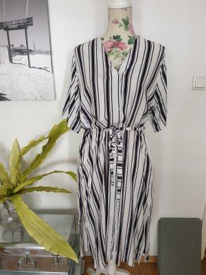 Oversized Hemdblusenkleid, schwarz-weiß mit Streifen von Weekday
