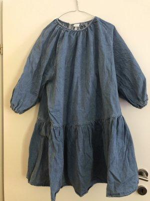 Oversized-Jeanskleid
