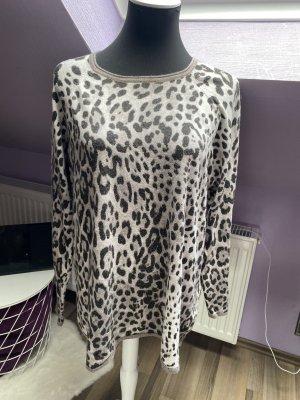 oversized leo Pullover