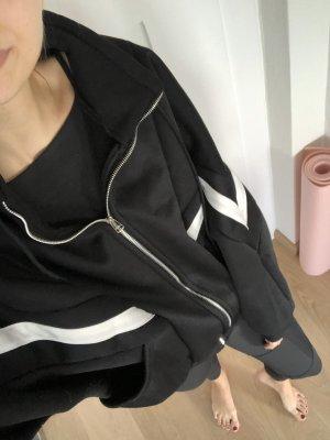 Oversized Pulli in schwarz und weiß