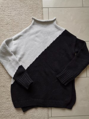 Zara Knit Oversized Sweater white-black