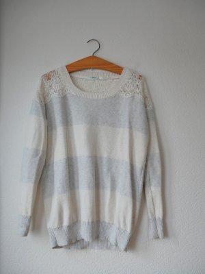 Oversized Pullover mit Spitzendetails