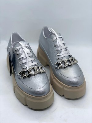 Biamo Handmade Wingtip Shoes silver-colored