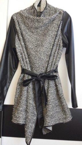 Wraparound Jacket black-white