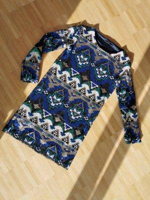 Paillettenkleid mit Ethno Muster