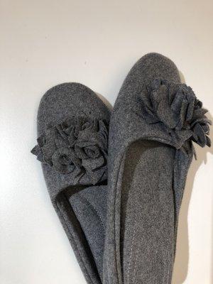 Pampuschen Pantoufles gris