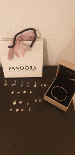 Pandora Armbad mit Charm