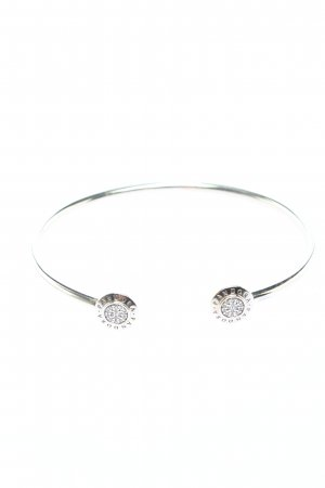 Pandora Brazalete color plata look casual