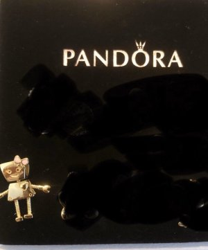 Pandora Dije color oro