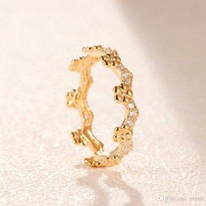Pandora Blumenkrone Ring nie getragen. Gr. 48  70€ (Originalpreis 99€)