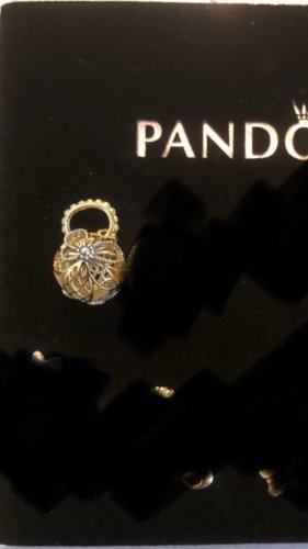 Pandora Dije color oro-color plata