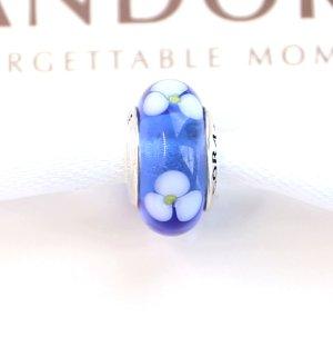 Pandora Charm *  Blaues Muranoglas mit weißen Blumen