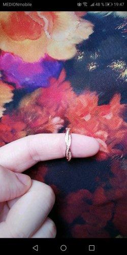 Pandora Srebrny pierścionek biały-w kolorze różowego złota