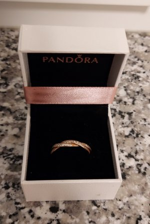 """Pandora Ring """"Sparkling Twisted Lines"""""""