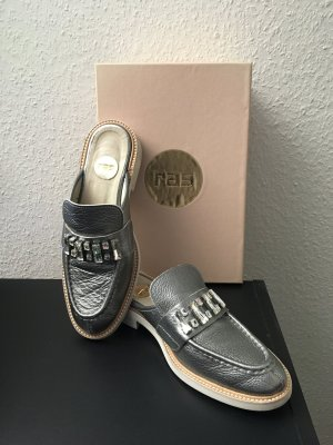 Ras Sabots silver-colored leather