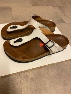 Sandalo infradito con tacco alto bianco