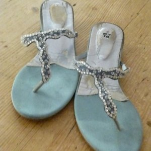 Graceland Sandalo toe-post azzurro-bianco sporco Pelle