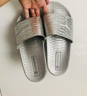 Claudia Ghazzani Sabot argento-grigio chiaro