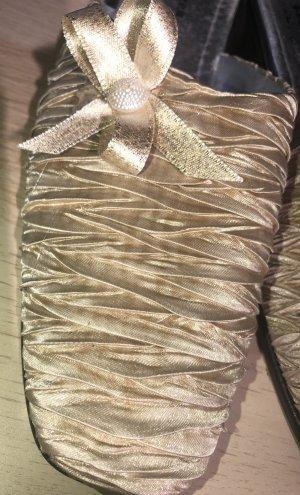 Pantoletten -elegante Hausschuhe