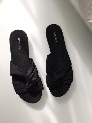 Pantoletten sandalen schwarz neu