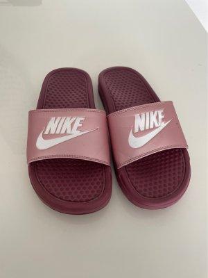 Pantoletten von Nike