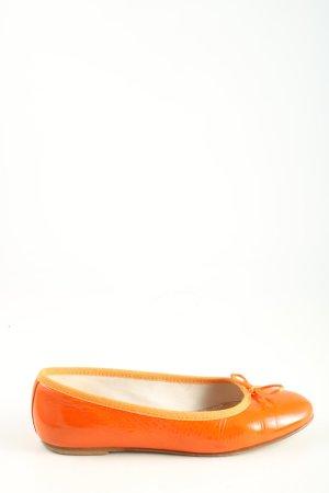 Paoliballerina Bailarinas de charol con tacón naranja claro look casual