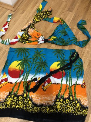 Tenue de plage multicolore