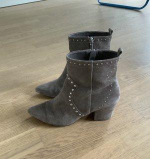 ❤️ Parfois 100% Leder Stiefeletten Grau Spitz Nieten Stiefel ❤️