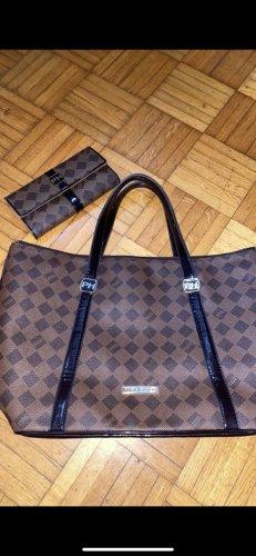 Paris Hilton Tasche