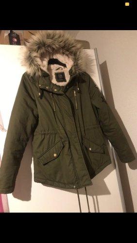 Parka jacke fake fur grün khaki mit patches gr 38 c&a