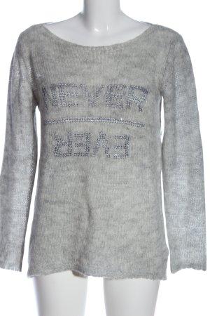 Passport Pull en crochet gris clair moucheté style décontracté