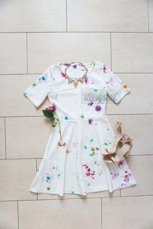 Pastel Dress ala Taylor Swift