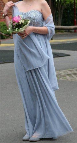 pastellblaues Abendkleid