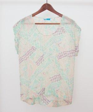 Pastellfarbene T-Shirt-Seidenbluse