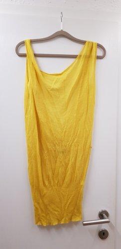 Patrizia Pepe T-shirts en mailles tricotées jaune