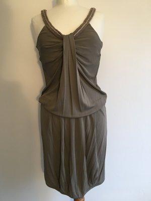 Patrizia Pepe Kleid mit Kettendetails aus Viskose in nude grau