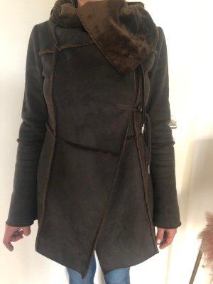 Patrizia Pepe Cappotto in eco pelliccia marrone scuro