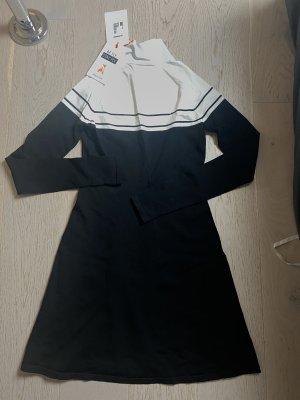 Patrizia Pepe mini Kleid aus Strick
