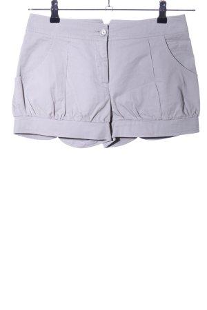 Patrizia Pepe Shorts gris claro look casual