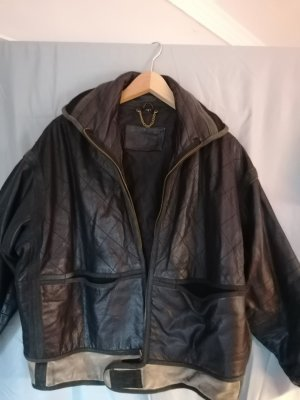 100 Veste en cuir noir