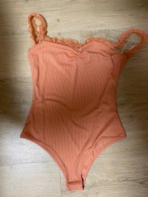 Peachfarbener Body, gerippt mit Rüschen, Größe S/36 , NEU