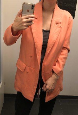 Peachfarbener Mantel