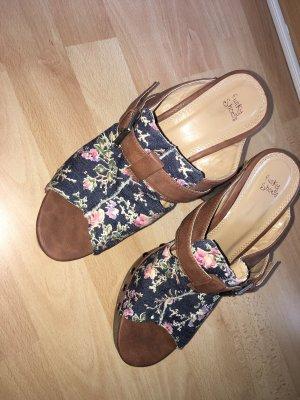 Peeptoe Pumps Blümchenmuster Funky Shoes