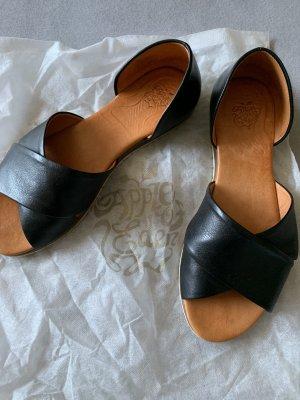 Peeptoe Sandalen schwarz